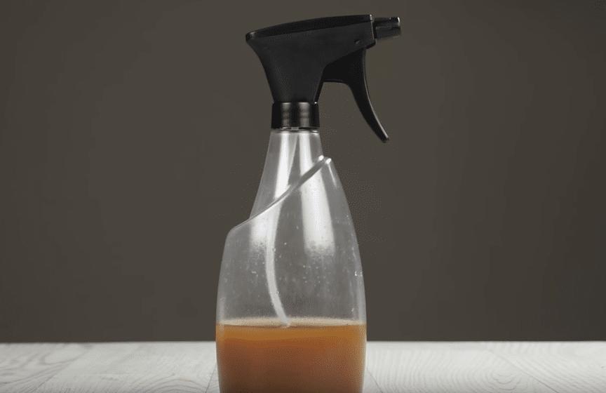 Spray anti-insectes naturel et non toxique