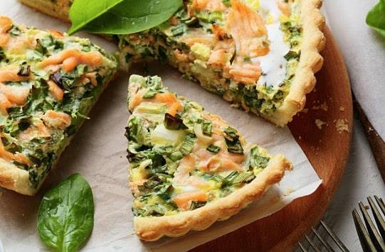 Quiche aux poireaux et au saumon fumé : la recette simple et rapide